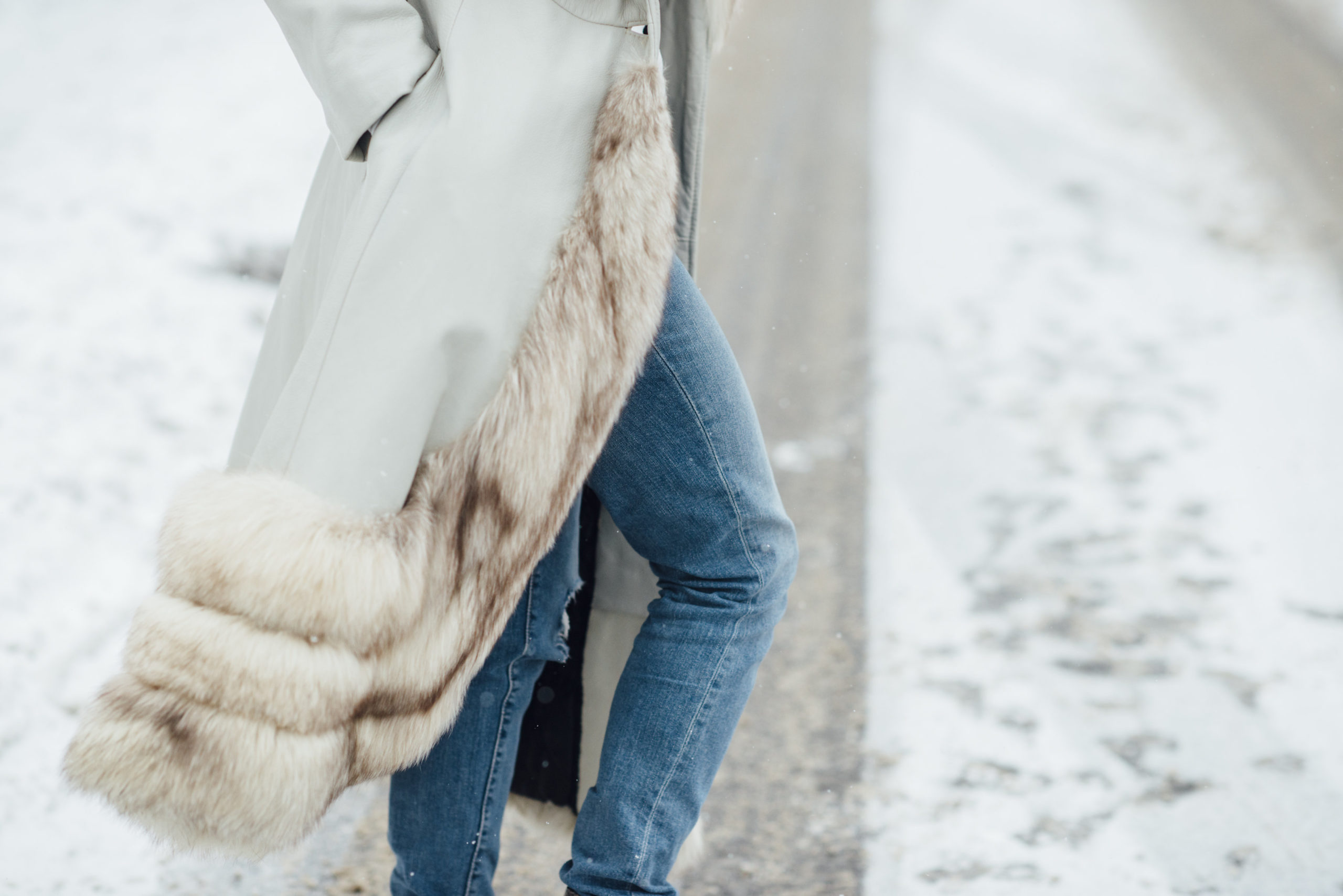 how to stay truly warm and look chic all winter, how to stay warm and chic in cold weather, cold weather styling hacks, winter styling tricks you need to know, must know winter styling tips, slow fashion, stay stylish during cold weather