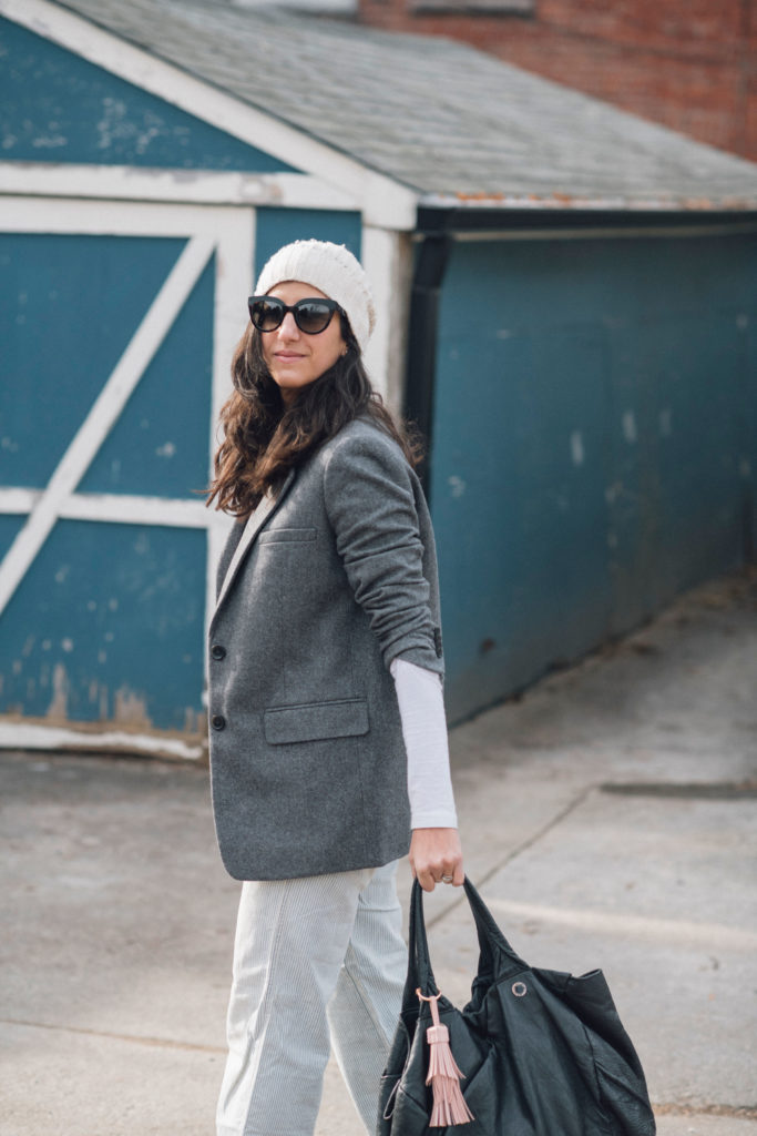slow fashion, slow fashion blogger, canadian slow fashion blogger, canadian sustainable style blogger, canadian sustainable fashion blogger, sustainable fashion, shope your closet, shop your wardrobe, how to wear light colours in winter, conscious fashion, ethical fashion, sustainable fashion